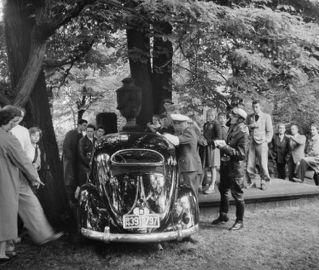 Verkehrsunfall auf dem Gartenfriedhof